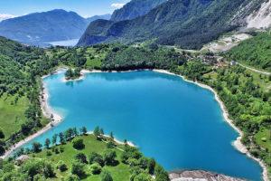 Озеро Тенно в Альпах