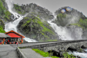 Latefossen - уникальный водопад в Норвегии