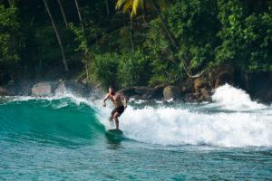 Серфинг на бесконечно прекрасных спотах