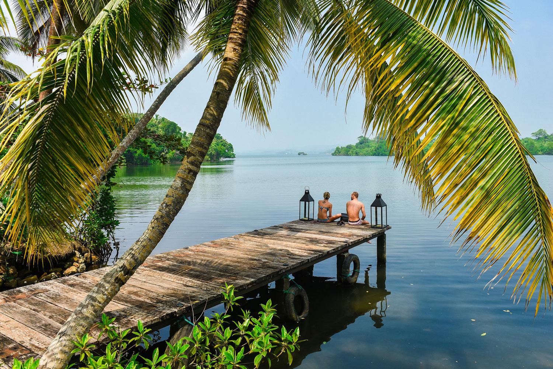 Вилла на южном побережье Шри Ланки с выходом к озеру