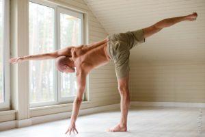 Сергей преподает йогу с 2006 года