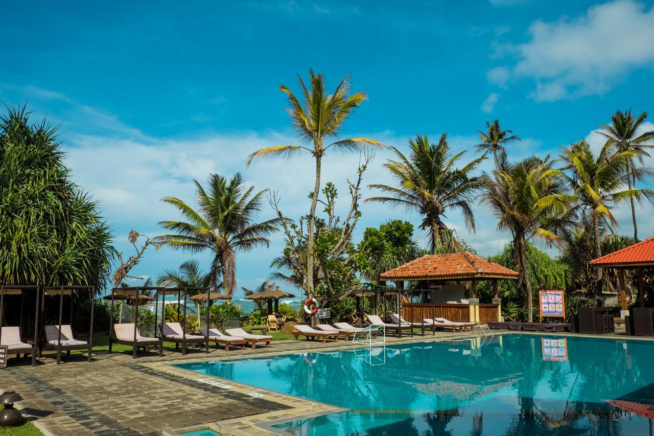 Уютный отель прямо на берегу океана