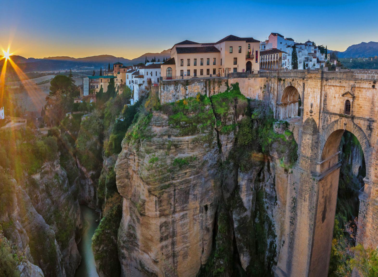 Невероятный пейзаж города Ronda в Испании